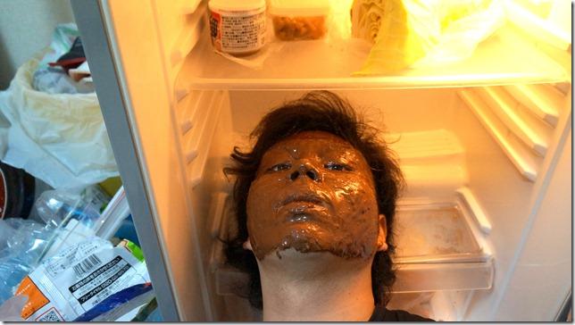 ハヤサカ・デ・ショコラ冷蔵庫で冷やす