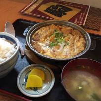 味処駒のかつ鍋定食