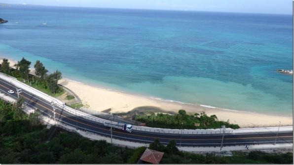 沖縄の旅4日目(ビオスの丘、フクギ並木、今帰仁城、波そしてヤギ汁)